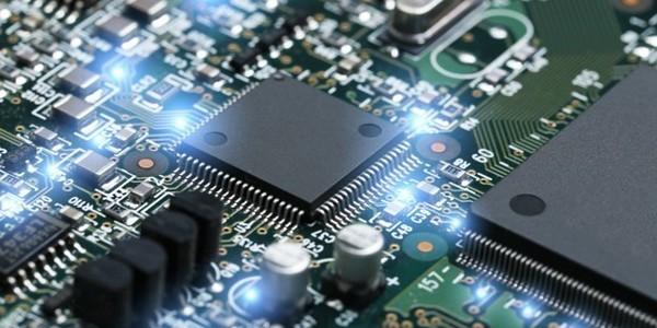 بكالوريوس في الهندسة (مع مرتبة الشرف) في الهندسة الإلكترونية مع تكنولوجيا المعلومات