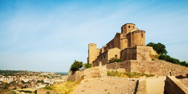 ماجستير في الآداب - الحضارات الإسلامية والحضارات الأخرى (من خلال البحث)